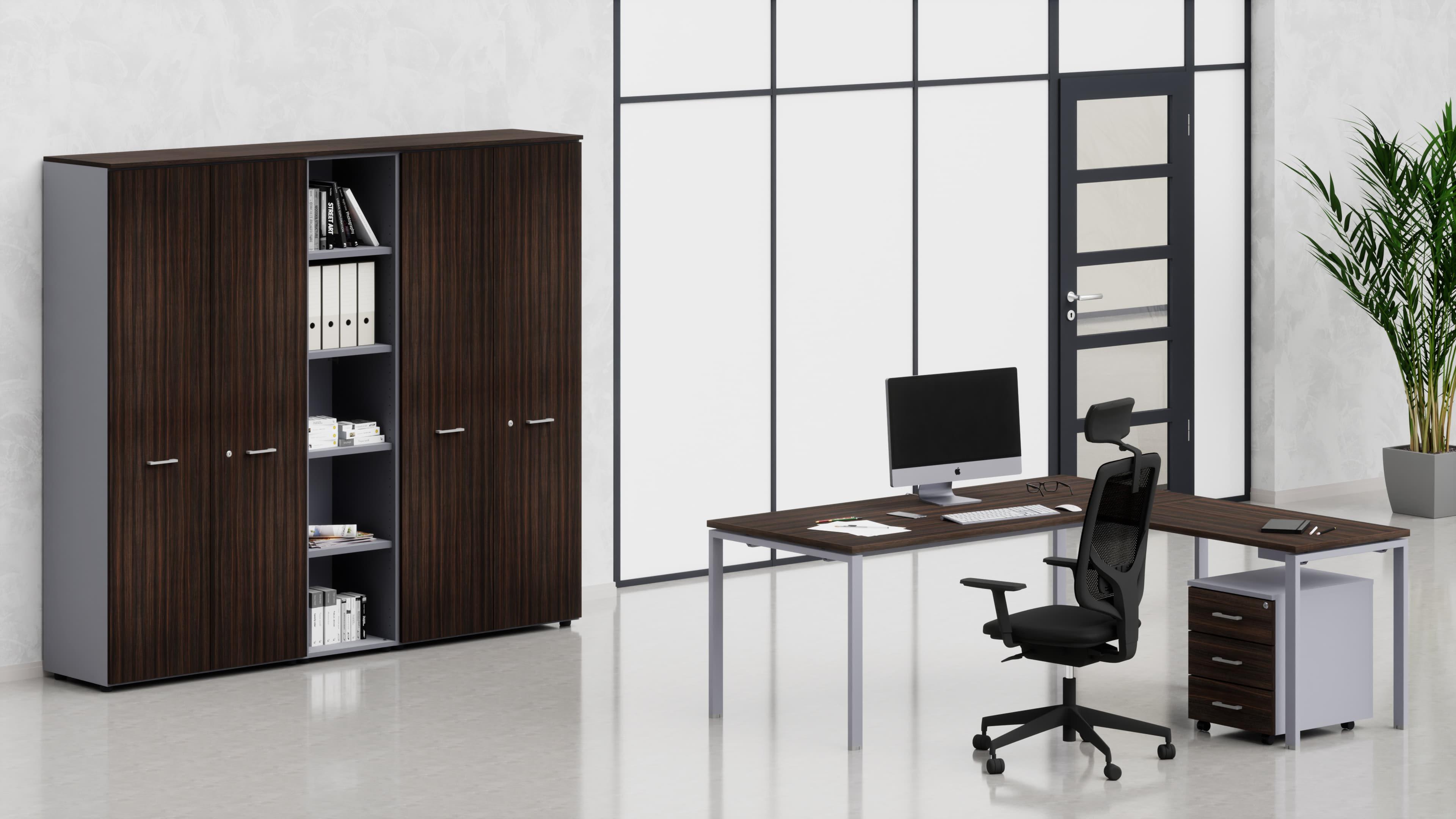 Uffici operativi NET ponte scrivania, allungo, cassettiera e contenitori universali alti