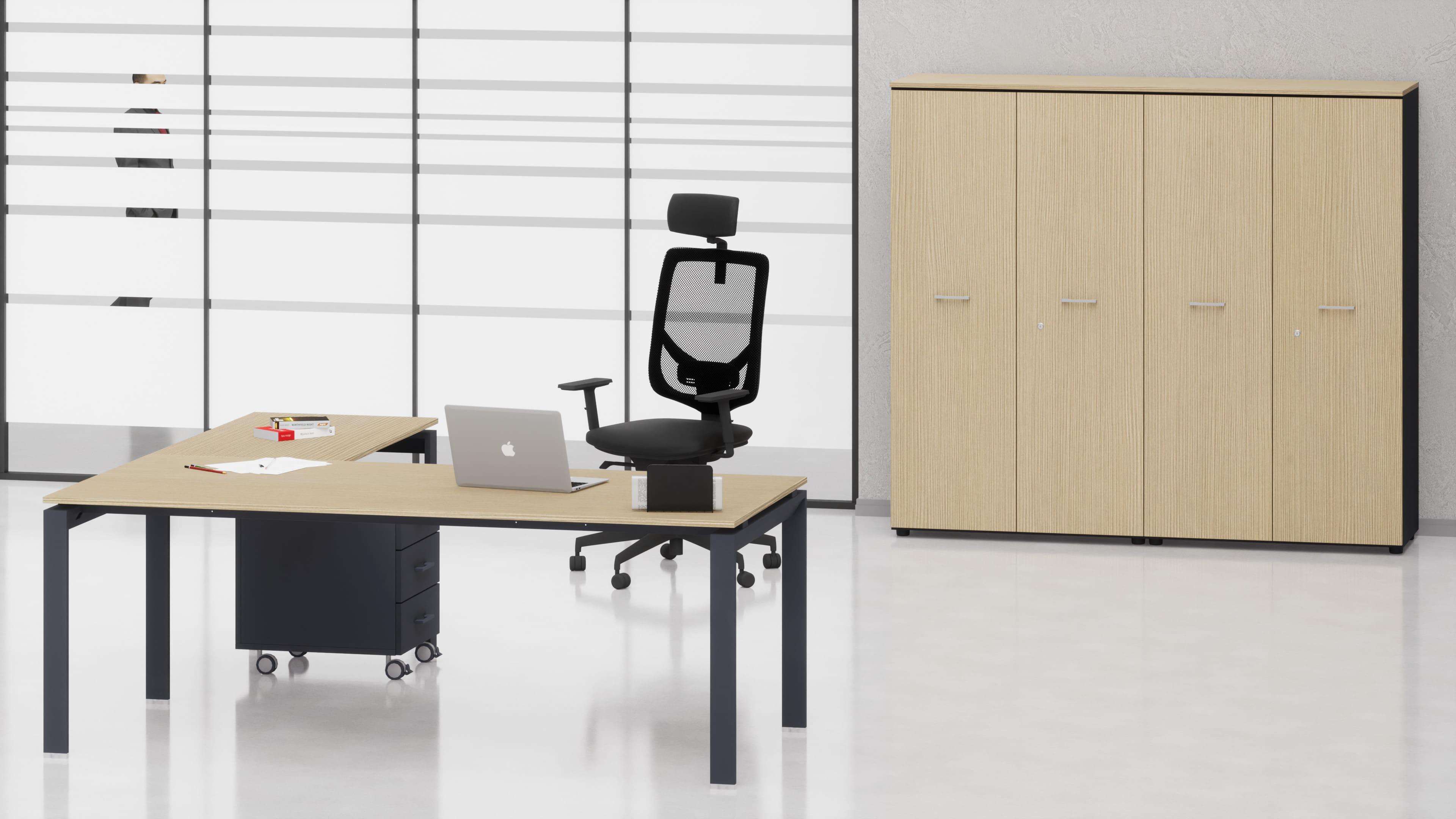 Uffici direzionali SCACCO scrivania, allungo, cassettiera e contenitori universali medi