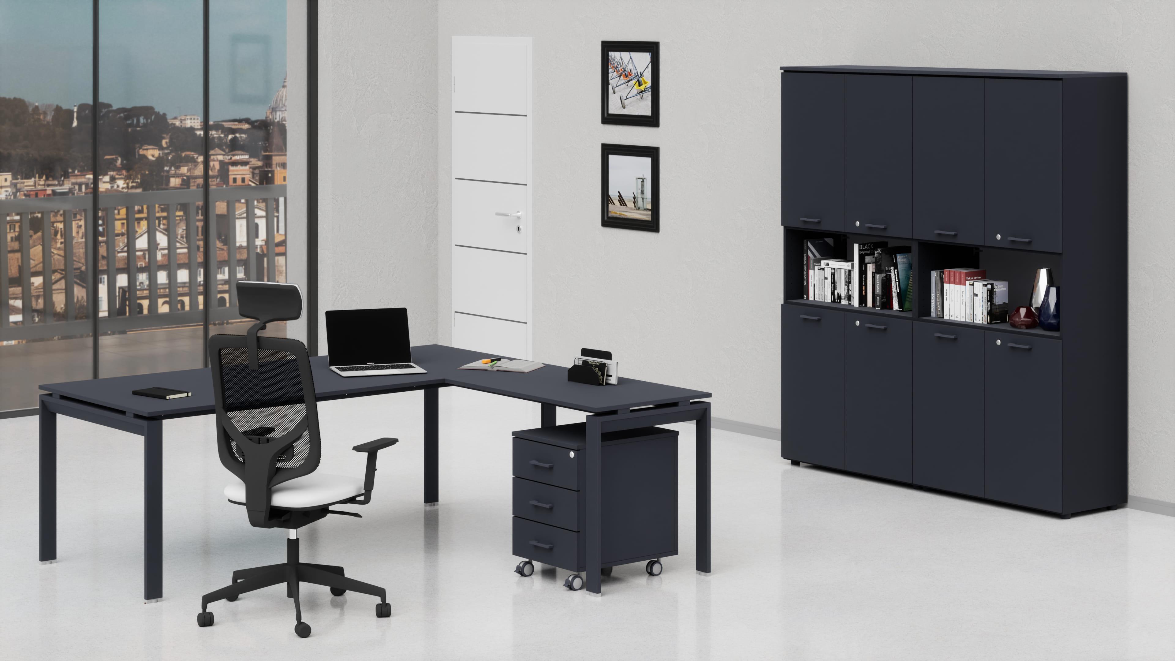 Scrivania uffici direzionali con allungo laterale e modesty panel