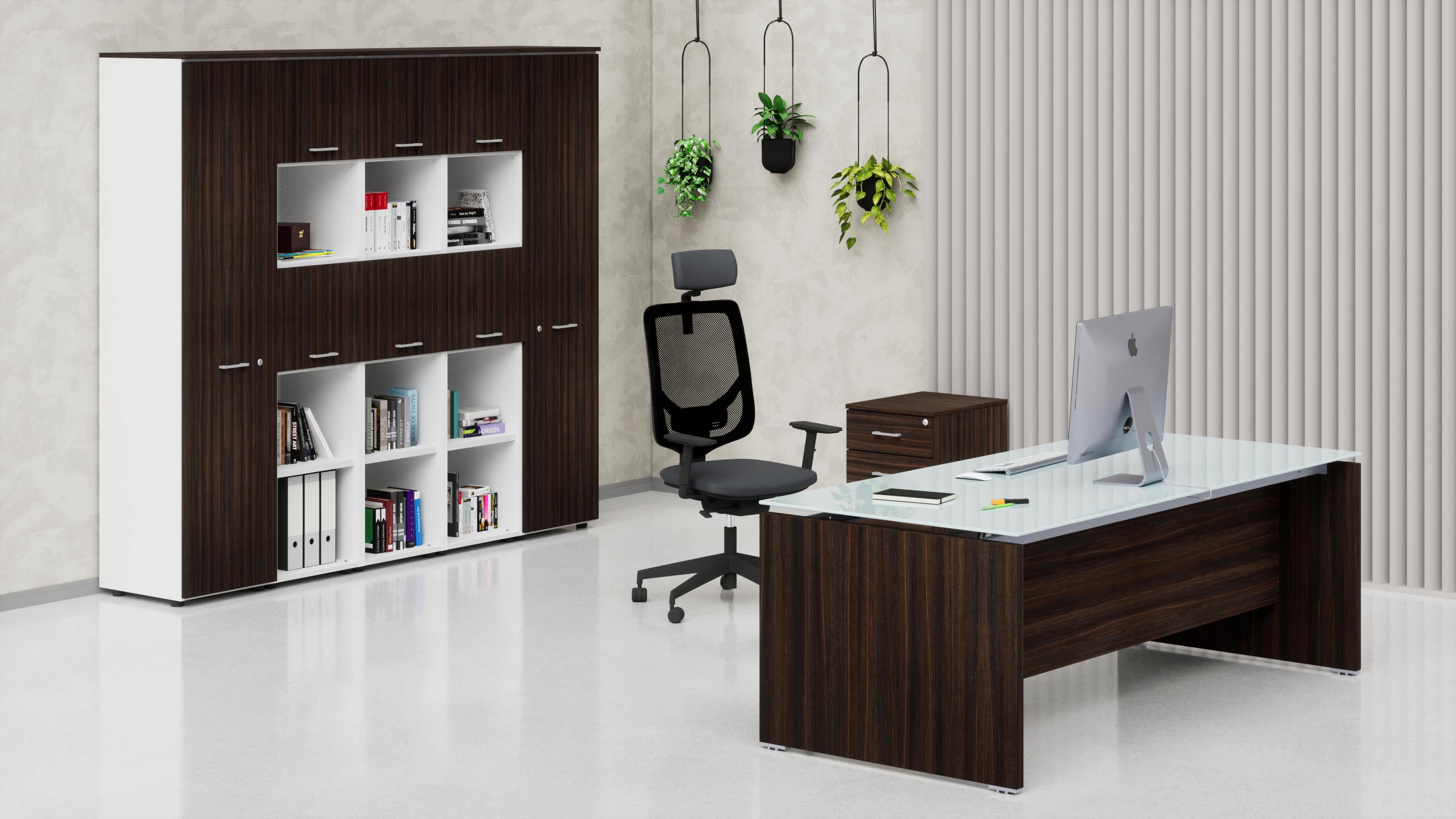 Uffici direzionali BETA scrivania piano vetro, cassettiera e contenitori universali alti
